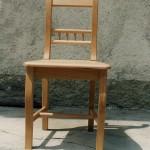 Designstuhl komplett aus massivem Buchenholz, verleimt und verschraubt für höchste Ansprüche, auch im Gastronomiebereich. Mit hochwertigem klarem Mattlack lackiert. Fertigung von Stühlen, auch Einzel- und Unikatfertigung nach Wunsch des Kunden.